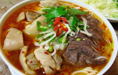 "How to cook ""bun bo hue"" – Hue style spicy beef noodle soup"