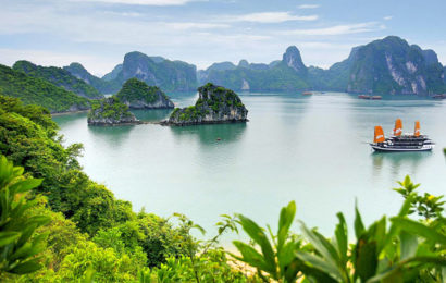 30 Background image of Ha Long bay in Quang Ninh