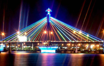 Han River Bridge – the location of Da Nang's cultural center