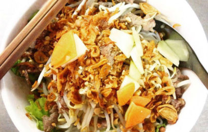 Vietnamese rice noodle salad with sauteed beef (Bún bò Nam Bộ)