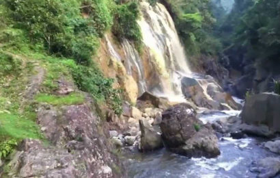 Come to Tien Sa Waterfall (Thac Tien Sa) in Cat Cat Village, Lao Cai