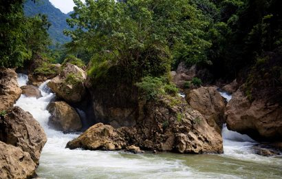 Dau Dang Waterfall – interesting with the magnificent scenery in Bac Kan