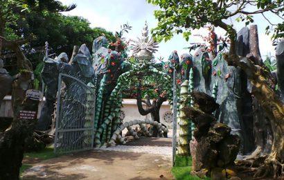 Unique bamboo gate of Pure Land pagoda ( Ruong Lon pagoda )