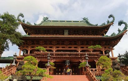 Minh Thanh pagoda blends Japanese, Chinese architectural finery