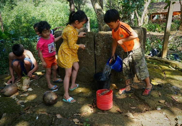 Many-villages-where-dozens-of-laterite-houses-can-be-found-in-Quang-Ngai-6