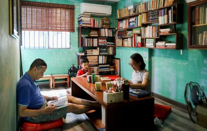 Le Ba Tan allows customers to bring books to exchange for a cup of coffee