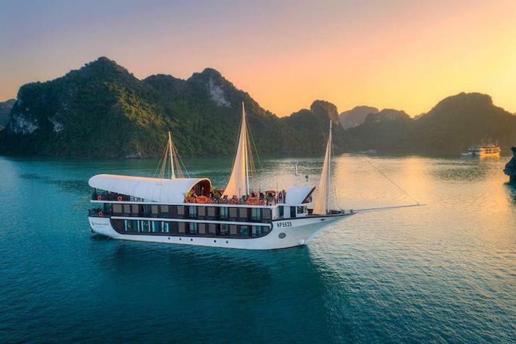 Cruise on Ha Long Bay, Quang Ninh, Vietnam to regain its bustle