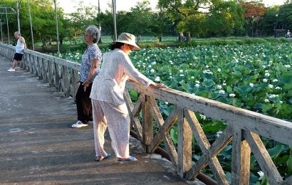 Hue summer attracts visitors with its scenic charms