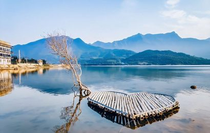 Lap An lagoon in Hue offers a fascinating backdrop to the poetry of life