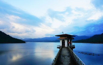 The deep, vast quietude pervades Nui Mot Lake in Binh Dinh Province